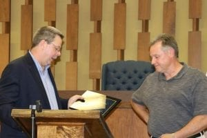 Wes Hooper receives Award from Commissioner Bradshaw